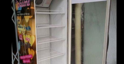 No Paraná, Geladeira Solidária incentiva a doação de alimentos
