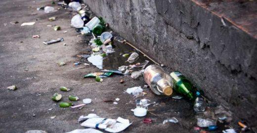 Vídeo: O lugar do lixo não é no chão