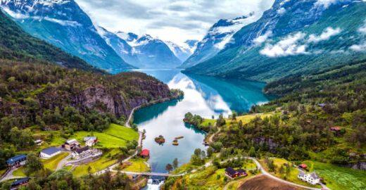 Geiranger, na Noruega, é lar do mais belo fiorde do mundo
