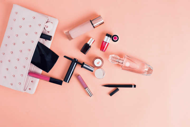 Época Cosméticos tem perfumes importados com até 65% de desconto