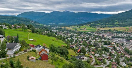 Um vilarejo de contos de fadas chamado Loen, na Noruega