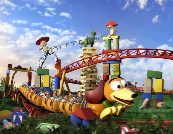 falta pouco para a inauguração da toy story land na disney