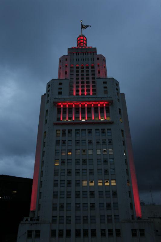 Fachada do edifício ganhou nova iluminação