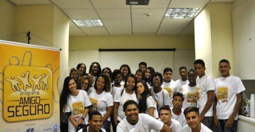 Projeto social oferece qualificação profissional para estudantes