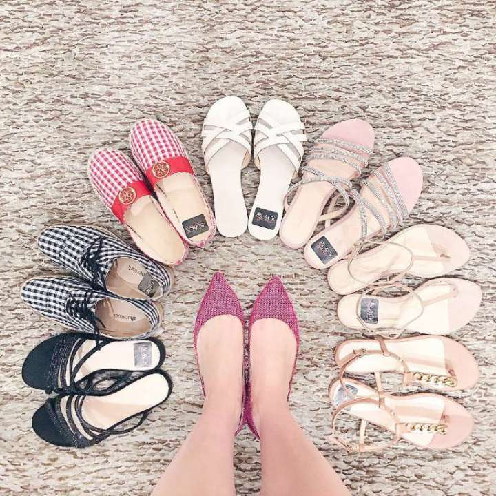 9926021ff Liquidação da Shoestock oferece bolsas, acessórios e calçados femininos com  até 70% de desconto