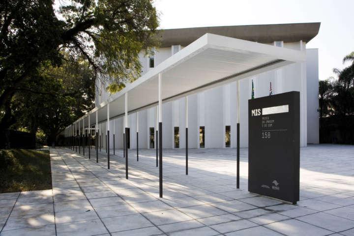 Fachada do Museu da Imagem e do Som