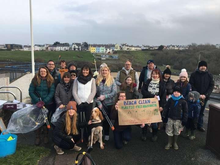 Cidadãos em campanha para livrar as praias do plástico