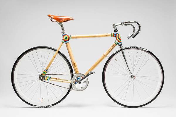 Bike de bambu é leve e resistente