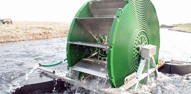 Essa bomba sustentável de irrigação não usa combustíveis fósseis nem eletricidade
