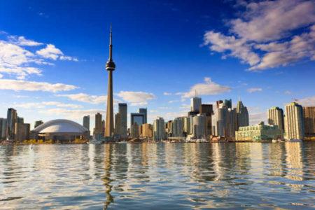 pôr do sol em Toronto, no Canadá