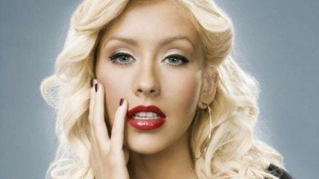 4c58a8525d44d Christina Aguilera surpreende ao aparecer sem maquiagem