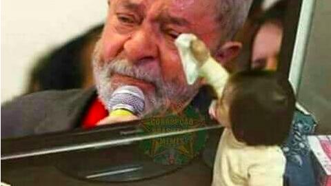 Fake News: menina consolando Lula ao vê-lo chorando na TV
