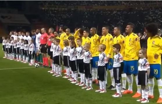 Uniformes da Seleção Brasileira estão à venda com preço em conta cb5e35aa888c1