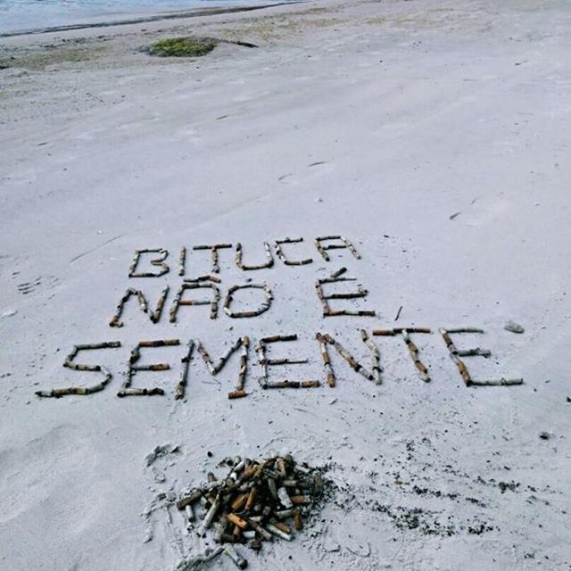 A campanha contra bitucas quer acabar com esse lixo nas praias da Ilha de Porto Belo