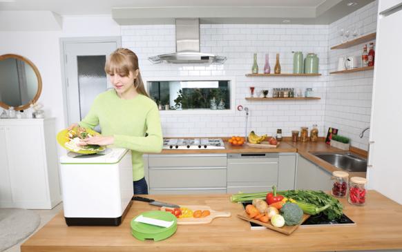 A composteira doméstica pesa 9 kg e não ocupa muito espaço