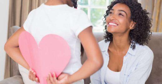 4 dicas para acertar no presente de Dia das Mães e economizar