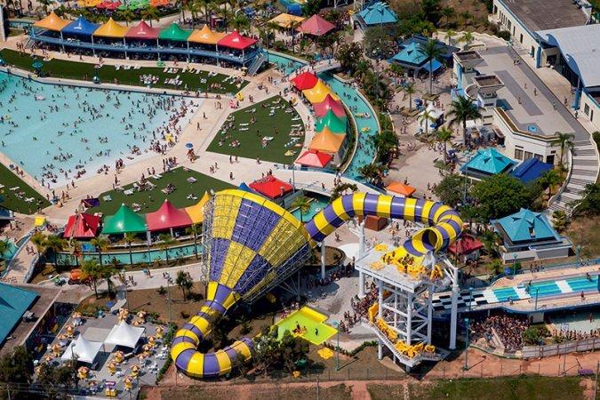 Vista panorâmica do parque aquático Wet'n Wild, em Itupeva, no interior de São Paulo