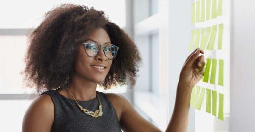 Conheça o Afro Hub: programa de apoio a empreendedores negros
