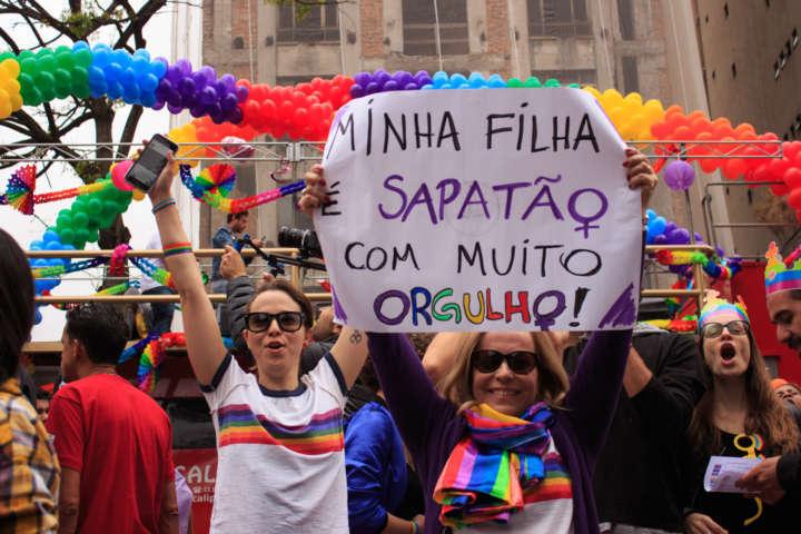 Parada LGBT na avenida Paulista
