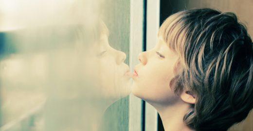 Psicanalista diz que intervenção até um ano pode reverter autismo