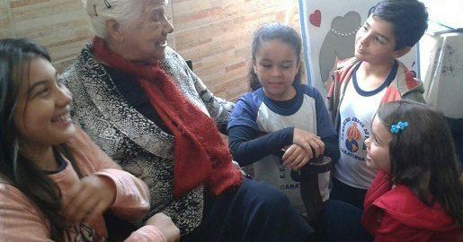 Empatia: escola une avós e crianças e estimula olhar para o outro