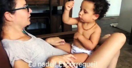 Mãe e bebê surdas conversam em libras em vídeo encantador