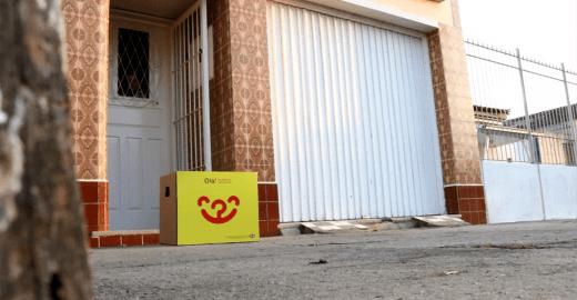 Campanha do agasalho é feita porta a porta com caixa ambulante