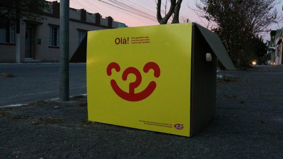 Para participar, basta imprimir o revestimento da caixa e se organizar com os vizinhos