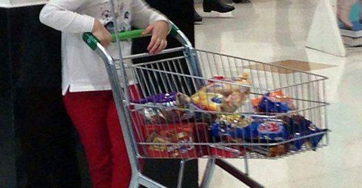 Carrinho no mercado para crianças: o que a empresa quer com isso?