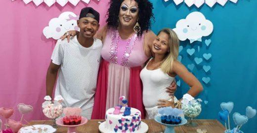 Criativo: Em Chá de Revelação, drag queen anuncia sexo de bebê