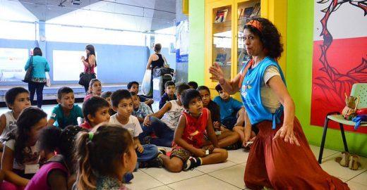Curso gratuito ensina contação de histórias para público em geral