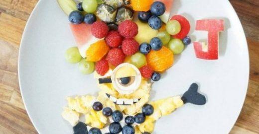 Para filho comer verduras, mãe cria personagens e monstros com alimentos
