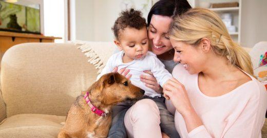 Mulheres lésbicas e mães falam do preconceito que enfrentam