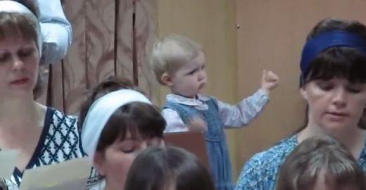 Criança revela o poder da música