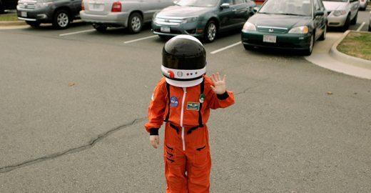Garoto de 9 anos pede emprego na NASA, e recebe resposta incrível