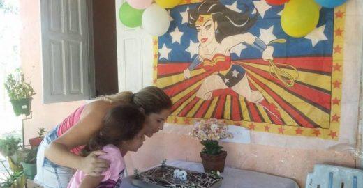 Com 7 anos, filha gasta mesada de R$ 40,00 com festa para a mãe