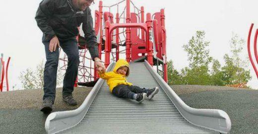 Cidade canadense cria parques infantis naturais <br>para incentivar o brincar livre
