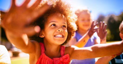 Abrinq reconhece ações inovadoras voltadas à primeira infância
