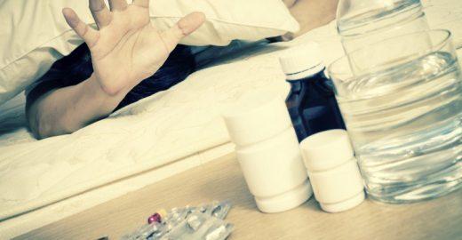 3 receitas de sucos infalíveis para combater a ressaca e diminuir o inchaço