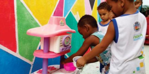 Cartilha traz registro de brincadeiras das crianças de Nova Iguaçu