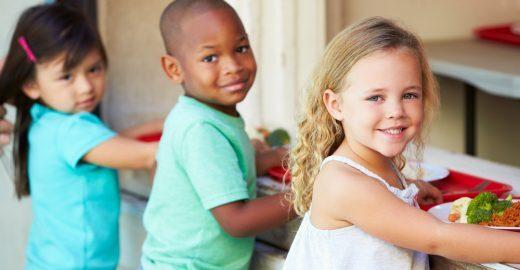 Comer também é aprender: como a alimentação na escola faz parte do processo de aprendizagem integral da criança