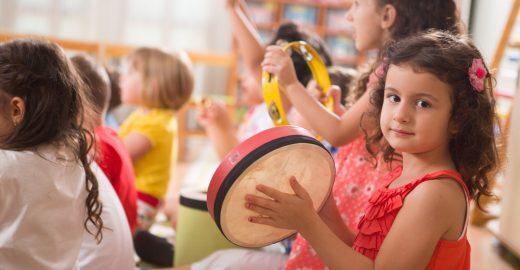 Aprender música é um importante método de alfabetização infantil