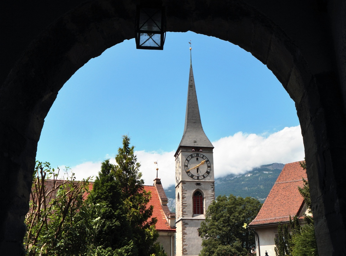 Igreja de São Martinho, construção do século 15, no Centro Histórico de Chur