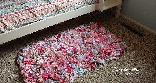 Aprenda a fazer um tapete de retalhos para o quarto dos pequenos