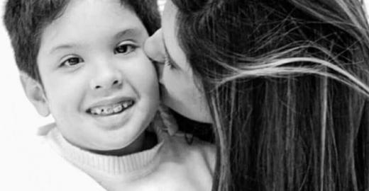 Mãe luta por lei de 1ºs socorros após filho morrer engasgado