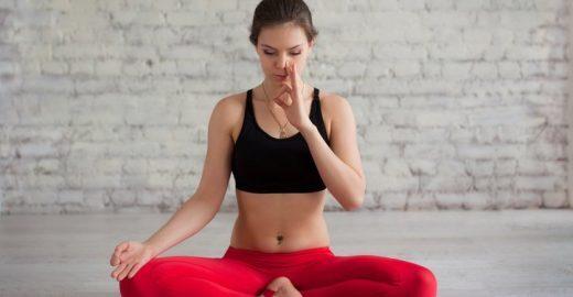Praticar yoga ajuda a aliviar os sintomas de asma