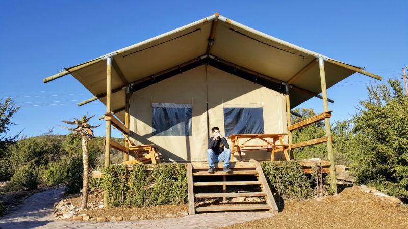 As tendas Africamps têm capacidade para até 5 pessoas