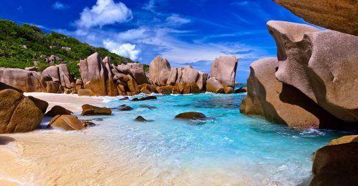 Ilhas Seychelles, um paraíso de mar azul cintilante no Índico