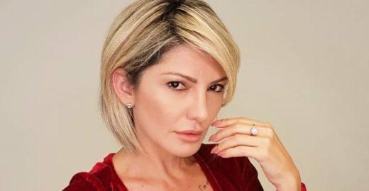 Antonia Fontenelle surpreende e posta foto completamente pelada