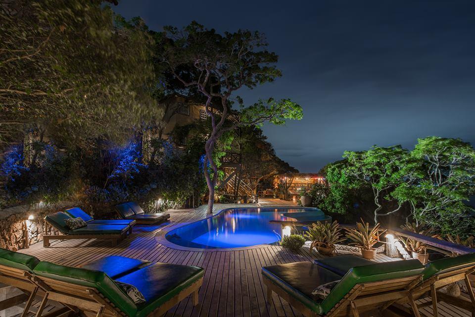 Vista da piscina da Pousada Enseada das Garças